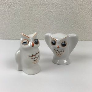Vintage l White Ceramic Winking Owls Home Decor